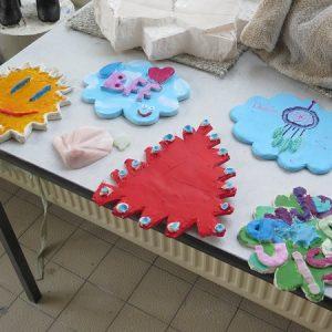 Keramiek geschilderd kinderen klein